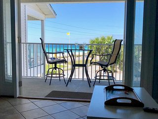 Summerspell # 304 *NEW HOMEOWNERS 2017 **CHECK OUT THIS LOVELY, COASTAL CONDO*