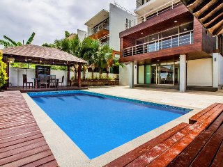 8 Bed Sea View Luxury Pool Candolim Villa