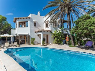 5 bedroom Villa in Cala d'Or, Balearic Islands, Spain : ref 5237936