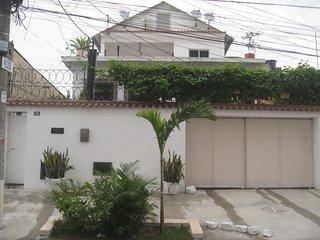 Great location for 2 near Maracana/Downtown