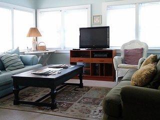 Sunroom  Includes a Queen Size Sleeper Sofa