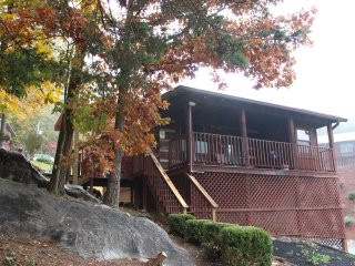 Adorable 2/1 cabin in the Smokies - Cedar Cove