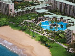 Marriott Kaua'i Beach Club, Beautifully Appointed Villas, Oceanfront Resort