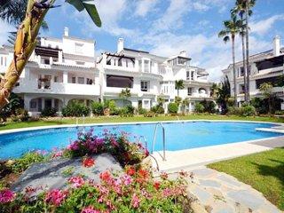 Apartamento 3 Dormitorios en Los Naranjos de Marbella