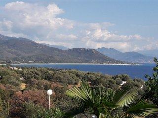 Casa Vista Mare est située à Porto Pollo à 350m de la mer