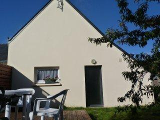 Maison avec jardin clos, secteur calme