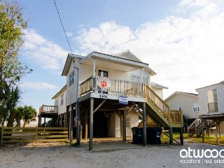 Pause A While - Classic Beach Front Family Home On Edisto