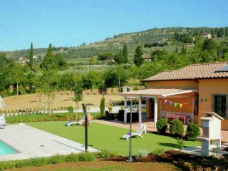 House 615 m from the center of Castiglion Fiorentino with Internet, Pool