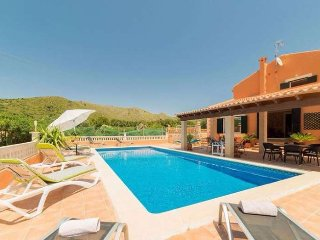 Rustic property 10 pax. Private pool. BBQ Satellite TV. Clear views. Capdepera-