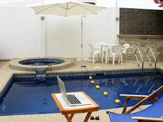 Cesar's House: Comfortable House. Private Pool. Free: Wi-Fi, Cable & Breakfast