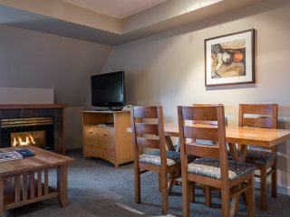 Deluxe Suite 5-minute's Walk from the Gondola | Gym + Hot Tub! Access!