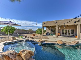 Luxury 4BR Phoenix Home w/ Spa - No Heat Fee!