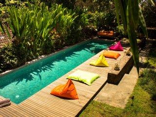Wonderful 4 Bedrooms Wahyu Villa with 2 Pools, Sleep 8 to 10