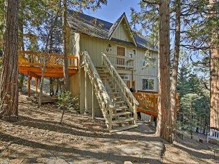 NEW! Serene 3BR Cabin 1.5 Miles to Lake Arrowhead!