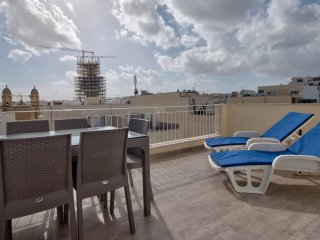 Off the Strand, Gzira 2-bedroom penthouse with views