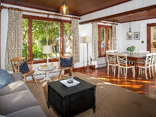 Vintage 4BR in Downtown Manzanita, 2 Blocks to Beach