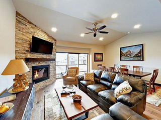 Brand-New 4BR Townhouse with Private Hot Tub – 12 Mins. To Park City Resort