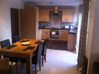 Spacious 2 bedroom apt beside Crumlin Road Gaol & close to Belfast City Centre