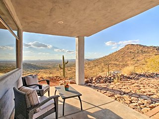 2.5-Acre Desert/Mtn Oasis in Phoenix w/ 270 Views!