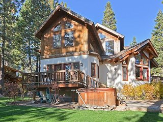 Cabin-esque Tahoe City House in Desirable Dollar Point Area