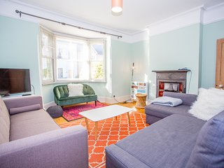 The Summertown Retreat - Colourful 5BDR Victorian Home with Garden