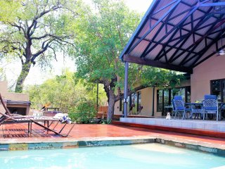 Twiga Tower - Lodge, in Hoedspruit Wildlife Estate, close to Kruger Park.