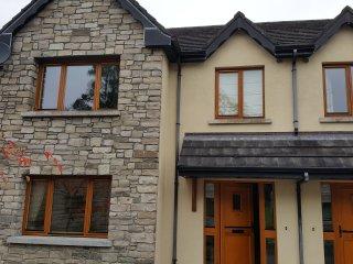 Beautiful, Self-Catering 3 Bedroom Townhouse in Lough Rynn Castle, Sleeps 7.