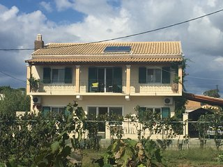 Holiday villa in Agios Georgios South