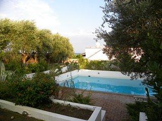 Meravigliosa Villa con piscina privata in residence a 15 mt dalla spiaggia