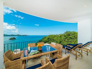 3-Bedroom Condo with Amazing Ocean Views