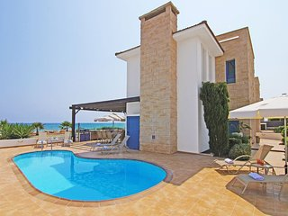 Cyprus Holiday Villa MONA Profile