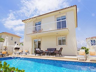 Cyprus Holiday Villa GREGORIA Profile