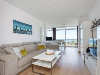 HHBCN Seaview apartment Castelldefels