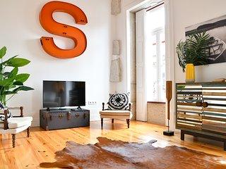 Liiiving in Porto | Aliados Design Apartment