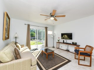 Beautiful 2 bedms/2 bathms in Indian Bayshore close to Beaches and Museum