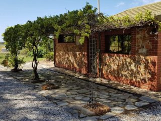 Barossa Glen ~ Henri's Cottage ~ Bed & Breakfast