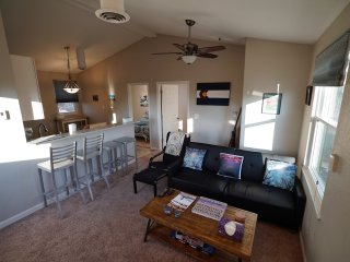 Private guest house: gateway to Denver,Boulder, and the Rocky mountains