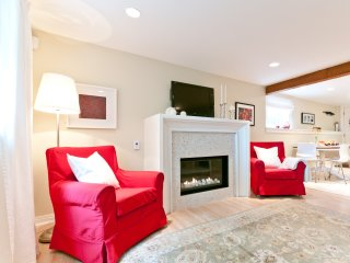 Award winning heritage suite in central Kitsilano, close to everything