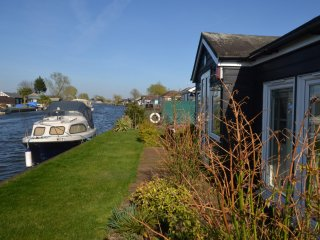 45462 Cottage in Bastwick Norf