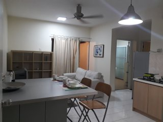 Whole Apartment Vista Pinggiran at Equine Park Seri Kembangan