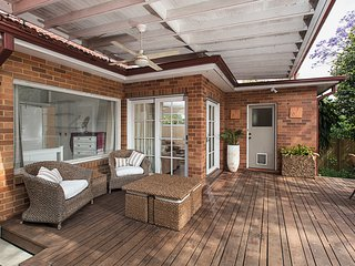 Charming 4-bed 5 minutes to Manly Beach