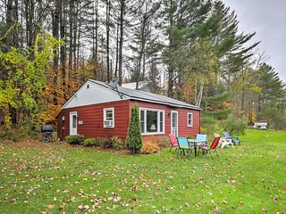 NEW! Recently Updated 2BR Cottage in Stowe!