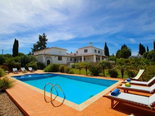 Villa Alvura, Stunning property, 5 Bedroom, Sleeps 10, Air-con, Large terraces,