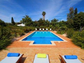 Villa Alvura, Stunning property, 5 Bedroom, Sleeps 10, Air-con, Large terraces,