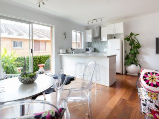 Sophisticated 1 bed 5 mins from Clovelly Beach