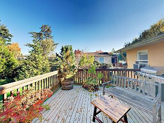 Updated 3BR w/ Guest Suite & Private Deck - 2 Blocks to Light Rail
