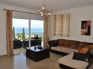 Villa Spiros with private pool and sea views in Kassiopi