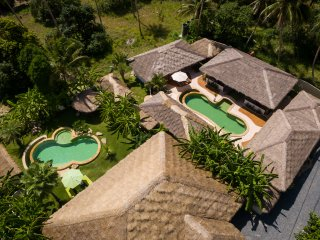 Baan Thamarchat, 2 tropical villas for 20 + guests, unique listing at Ko Phangan