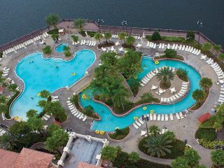Deluxe Condo at Wyndham Bonnet Creek minutes from all Disney attractions