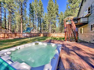 Family-Friendly Tahoe Retreat with Hot Tub and Forest Views